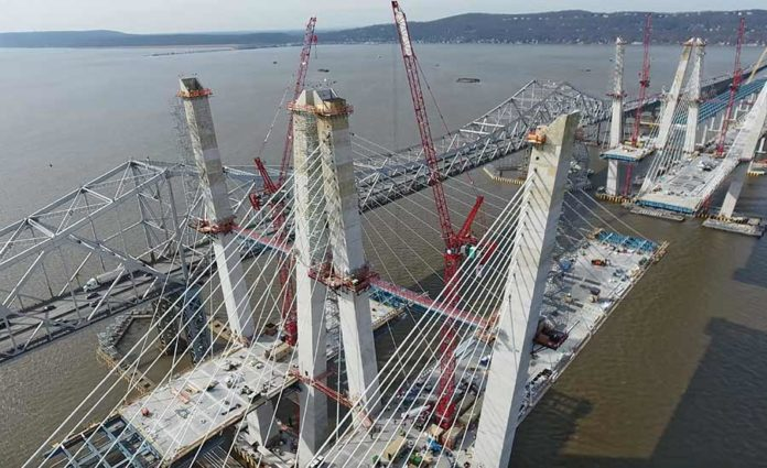Technology Helps Bridge Span a River and the Next Century   2017-03-15   ENR