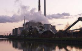 Coal_power_plant_German.jpg