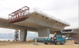 hong_kong_bridge_construction.png