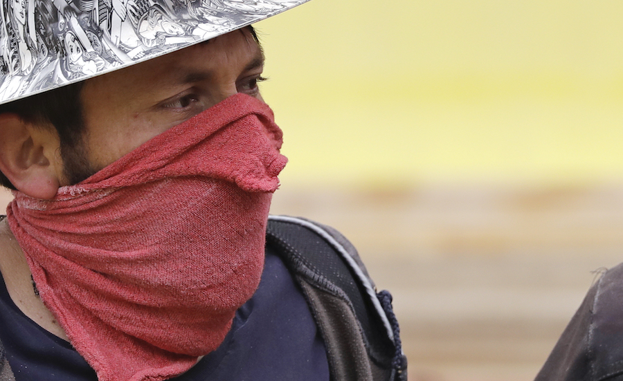Construction_workers_coronavirus_mask.jpg