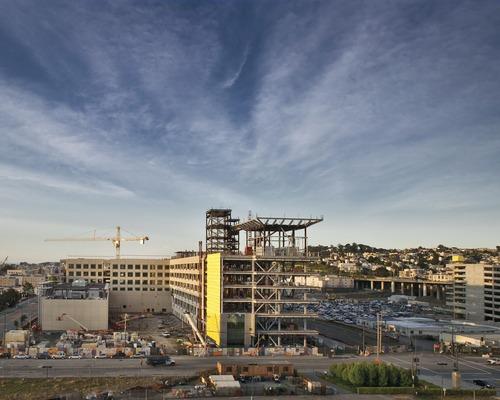 Digging Deeper: Hospital Team at UCSF Medical Center Sets