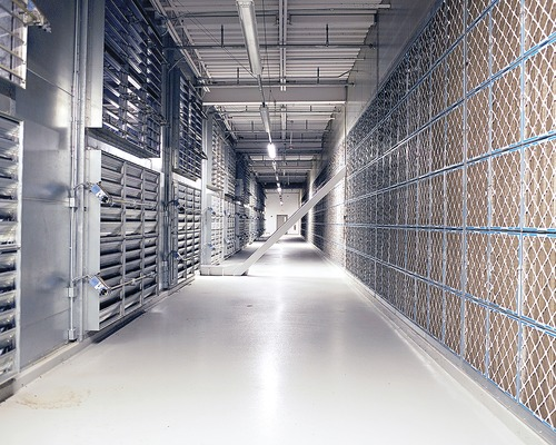 Facebook Data Center Earns Many Green 'Likes'