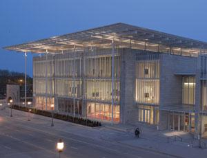 art institute of chicago modern wing and nichols bridgeway 2009