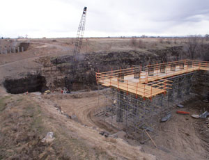 The new Twin Falls overpass will tie into the U.3. 93 Twin Falls Alternate Route project, currently under construction, that takes the place of an originally proposed stoplight.
