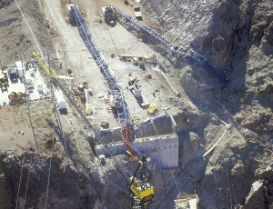 View of the collapsed North and South Cableway Crane system at Abutment 2 area in Arizona after the 2006 incident.