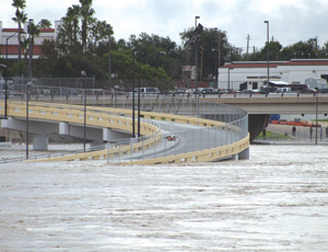 SEA was awarded a design contract by the city of Laredo and a design award by the PCI. The bridge withstood more than 20 ft of water from Hurricane Alex this summer. Photo: SEA.