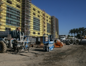 For the design and construction team of the $700-million Kaiser Fontana replacement hospital project, a major occupational hazard faced daily is a severe sense of d�j� vu.