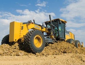 Deere offers operators two steering modes.