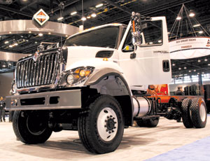 Hybrid construction truck: Four-Wheel Drive