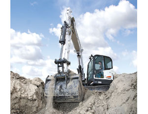 Redesigned excavator: Longer Service Intervals and a More Comfortable Ride