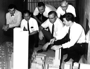 Davenport (left) in 1964 at historic wind-tunnel tests at Colorado State University for the World Trade Center project, with (from left) Yamasaki, Levy, Skilling, Cermak and Robertson.