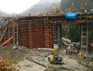 Bridge Falsework Collapses as Workers Pour Concrete