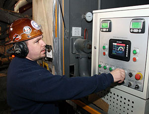 Tom Rutkowski at the controls.