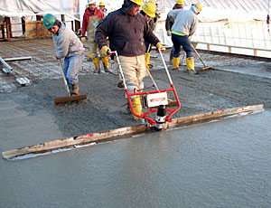 Vibrating Concrete Screed: Single Operator Required