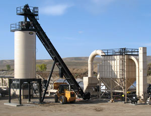 Asphalt Plant Conveyor: Heavy-Duty Construction