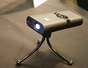Compact 100-Lumen Pocket Projector Lets You Take the Big Screen ...